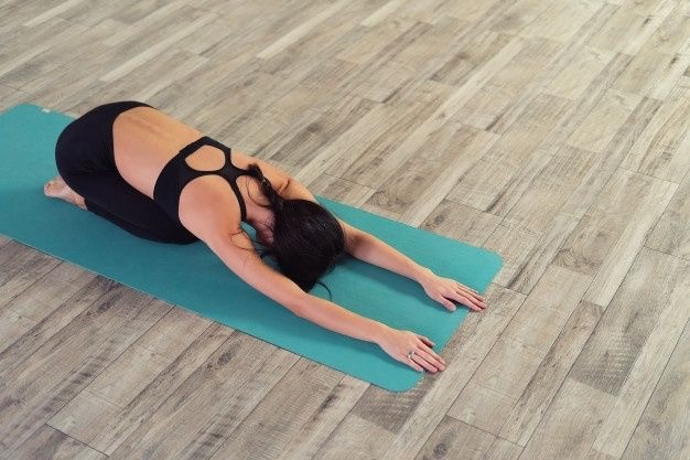 6 Easy Stretches to Relieve Menstrual Cramps